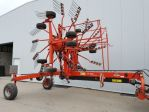 Mechanized hay rakes KUHN GA 8121
